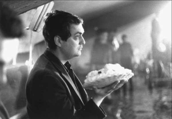 Stanley Kubrick Preparing The Deleted Pie Fight Scene For Dr Strangelove