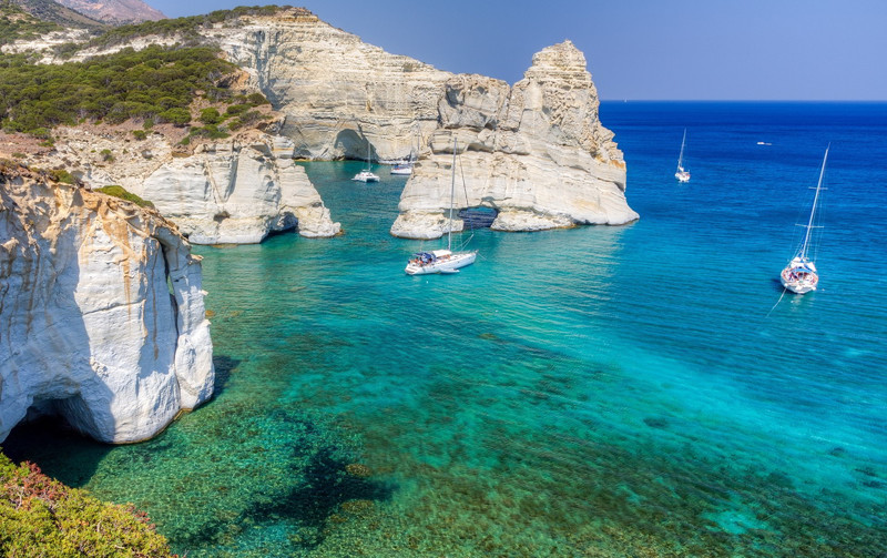 Yanpy Post 98 Yacht Charter Greece Kleftiko Milos
