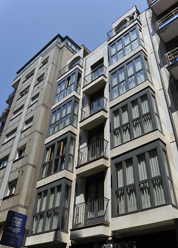 Edificio Apartamentos Turisticos Blue San Esteban Gijon Centro
