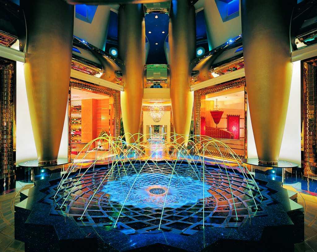 Hotel Lujo 4