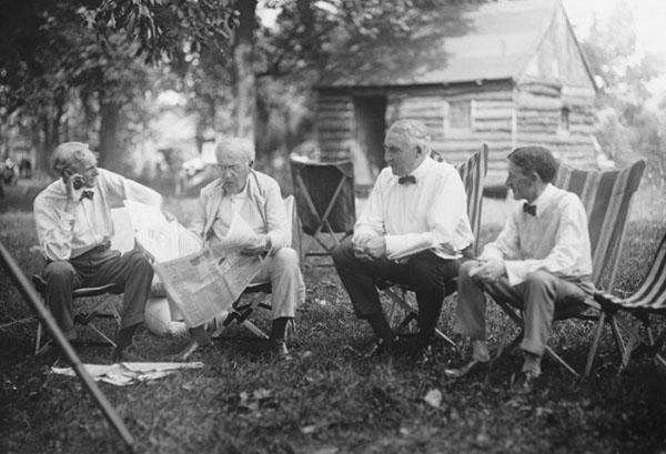 Henry Ford Thomas Edison Warren G Harding Y Harvey Firestone 1921 Imagino Que Hablando Sobre Automocion