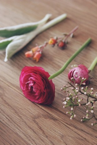 La Mariee Aux Pieds Nus Diy Comment Faire Une Boutonniere Pour Homme Fleurs 4 309x463