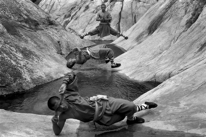 Incredible Photos Of Shaolin Monks By Tomasz Gudzowaty Shockblast 7 800x532