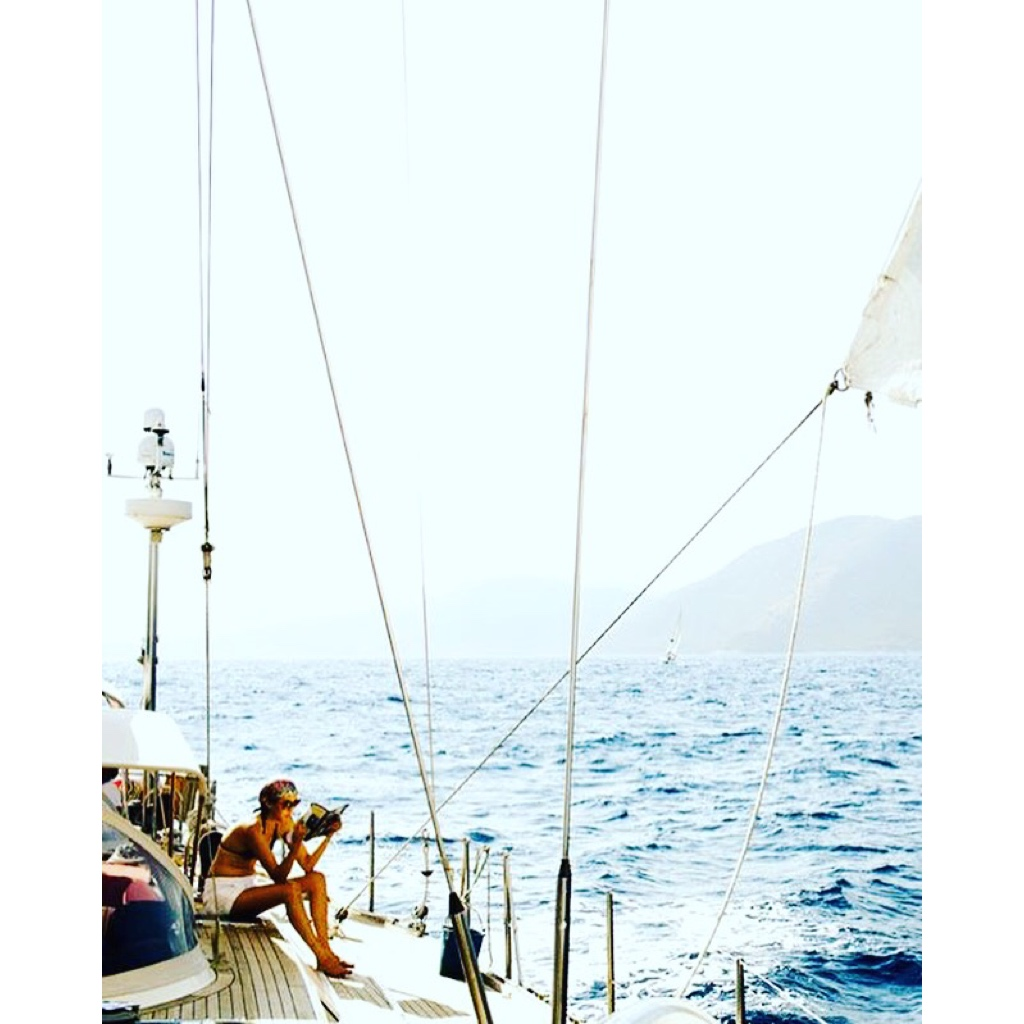 Yanpy Post 139 Sailboat Girl Reading Relax