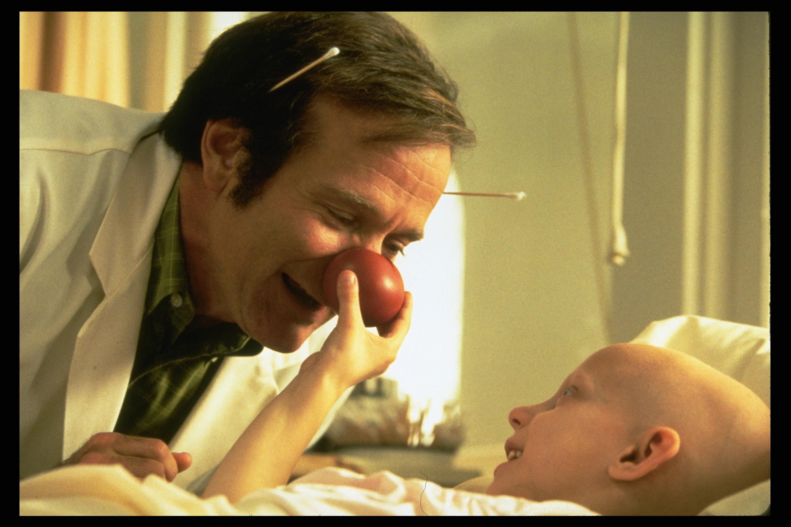 Patch Adams Robin Williams 23812045 2560 1707