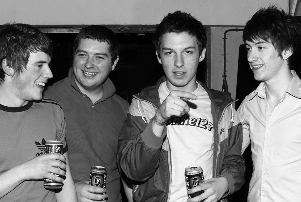 Arctic Monkeys May Esquire Magazine 8 43 E1396704237364