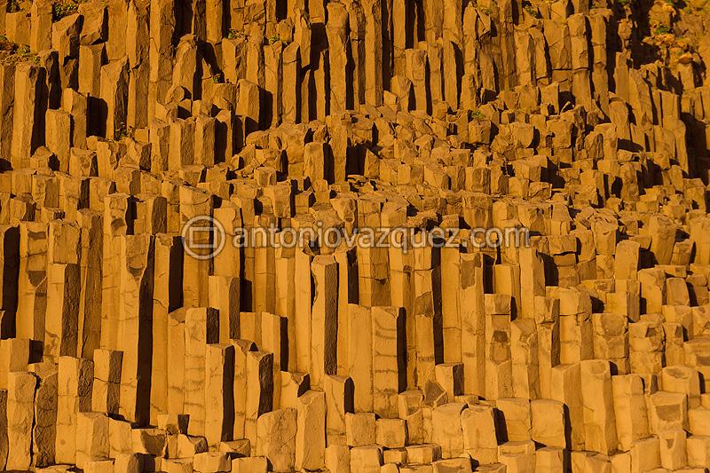 Columnas de basalto en la Playa de Reynisfjara