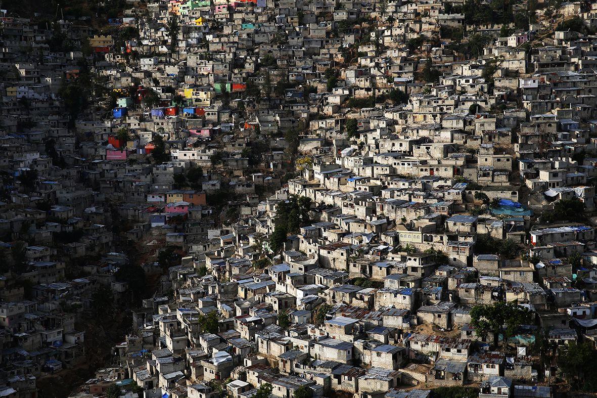 201de32433 Human 09 Yann Arthusbertrand Haiti