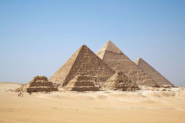9. Pirámides de Giza, El Cairo (Egipto)