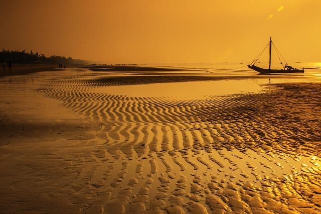 Playa de Vietnam - PublicDomainPictures (pixabay)