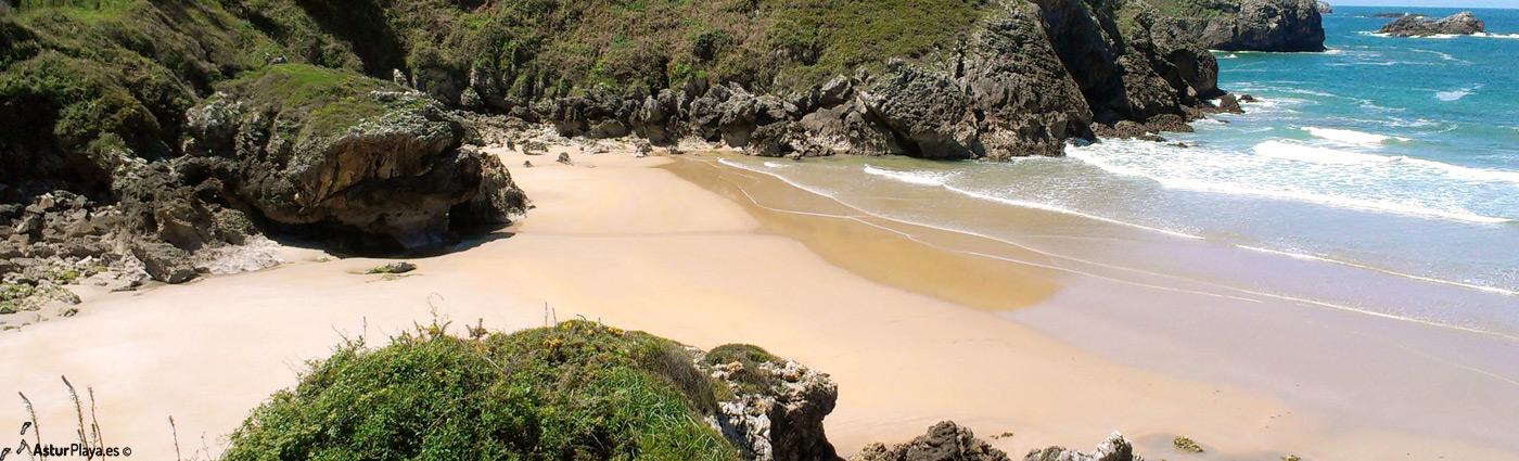 Troenzo Beach Llanes Asturias1