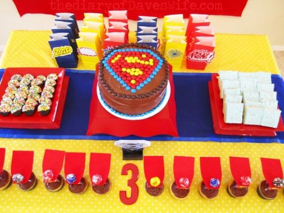 Superman Dessert Table 580x435