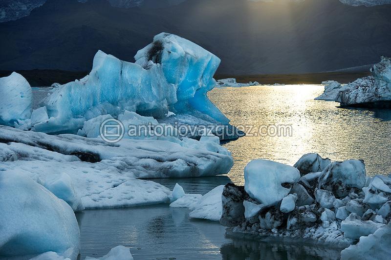 Icebergs en el lago del glaciar Jökulsárlon
