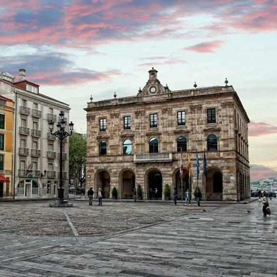Plaza del Ayto por Misael Ramos