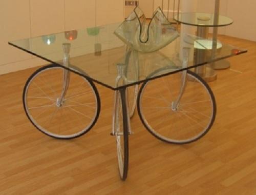 Mesa Con Ruedas De Bici