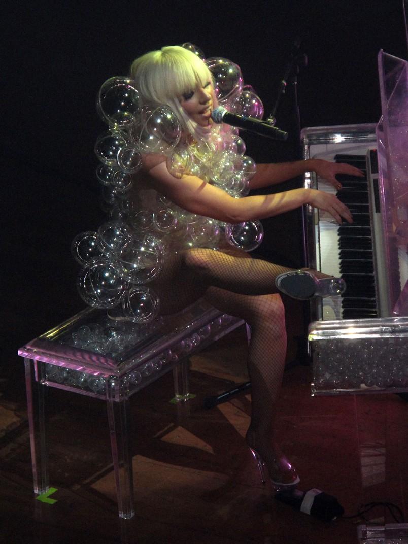 Gaga24