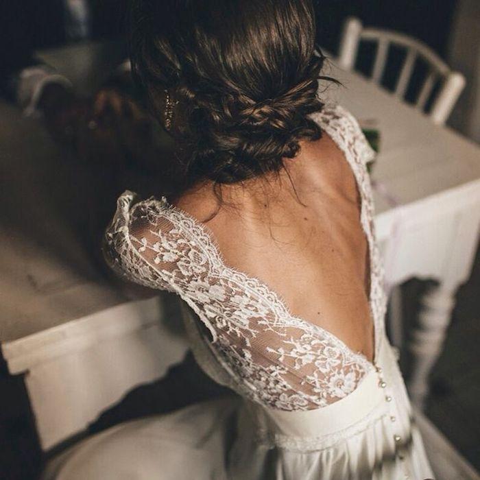 Toma fotos de los detalles de tu vestido, como la espalda