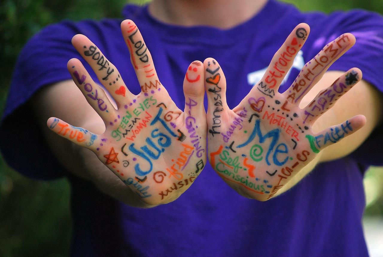 Hands 423794 1280