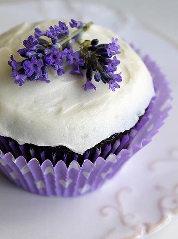 Cupcake con detalle de lavanda