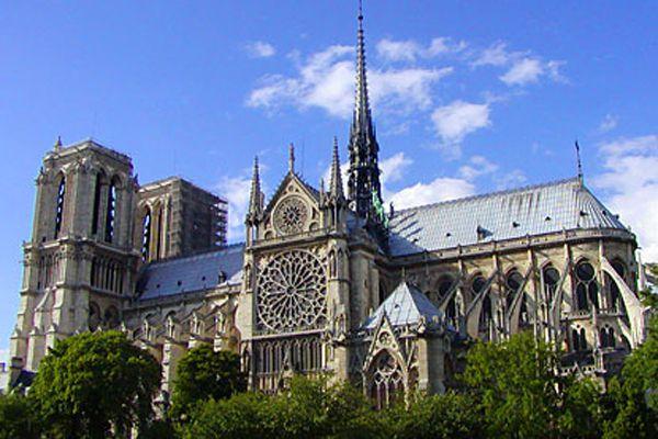 1. La Catedral de Nôtre-Dame, París, (Francia)