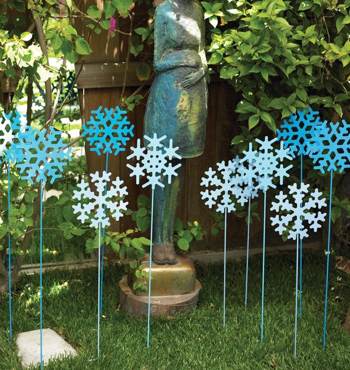 Event Ideas Easy Holiday Garden Decor Frosty Garden Stakes710 X 750 406 Kb Jpeg X