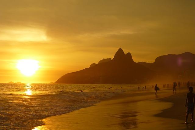 Playa de Ipanema (Rio de Janeiro) - eacuna (pixabay)