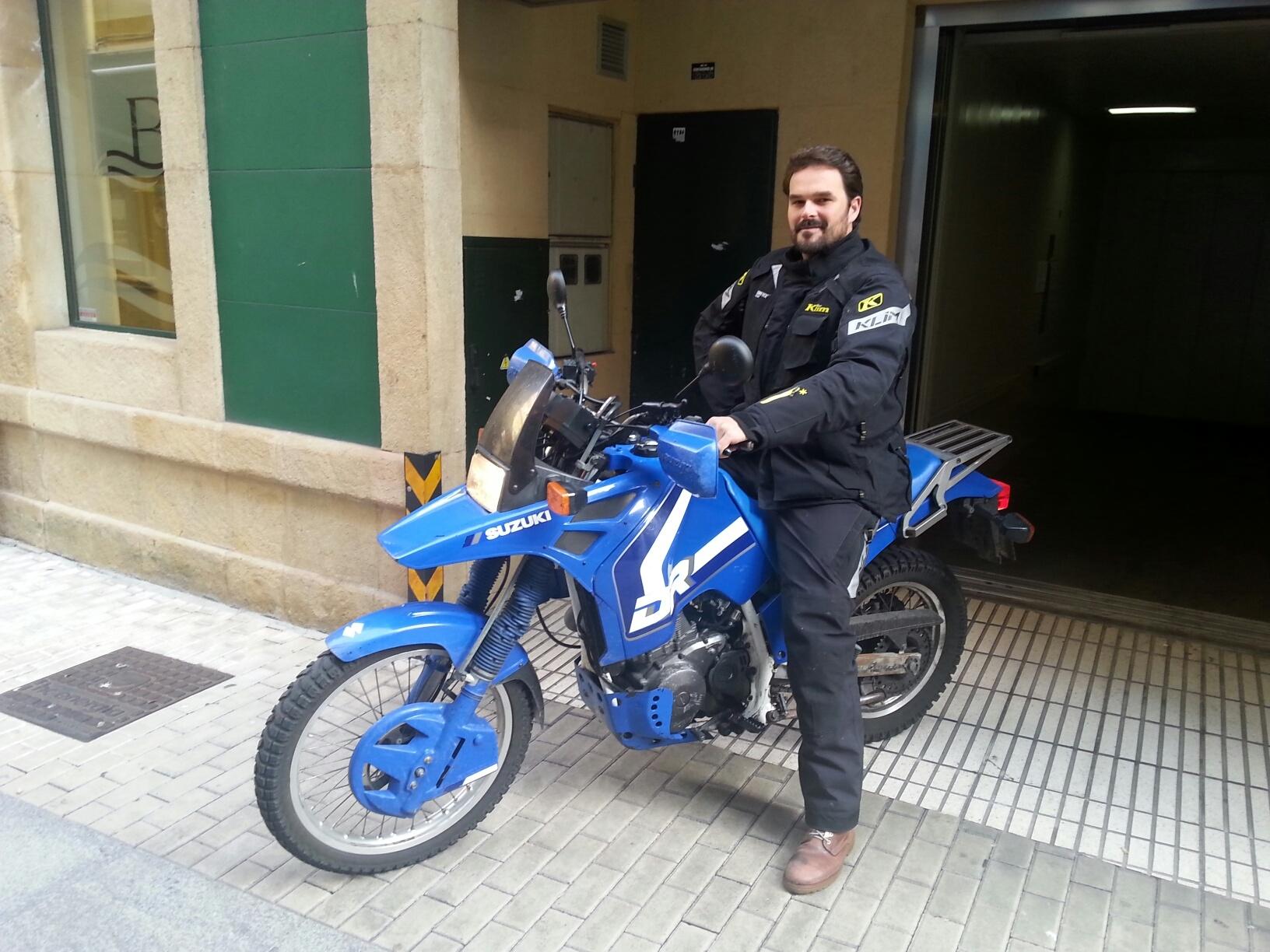 Saliendo del Garaje del Hotel Blue Santa Rosa de Gijón