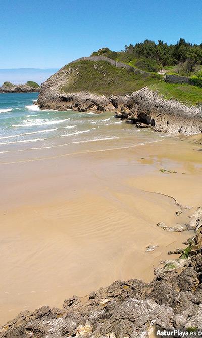 Los Curas Las Camaras Beach Celorio Llanes Asturias