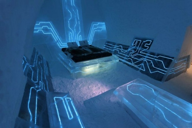 4 Tron Blue Futuristic Bedroom Theme 665x443