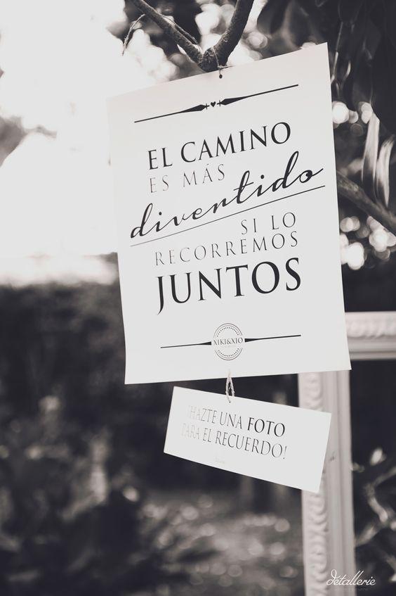 Haz foto de la decoración y cartel de entrada