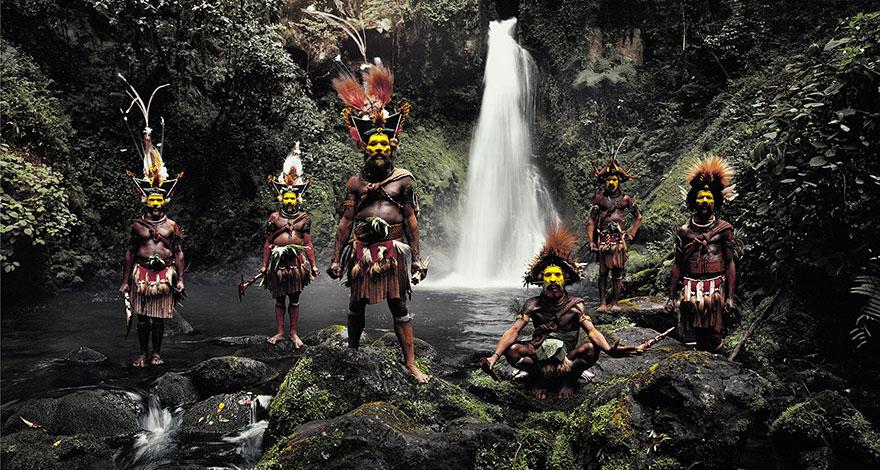 Huli, l'Indonésie et la Papouasie- Nouvelle-Guinée