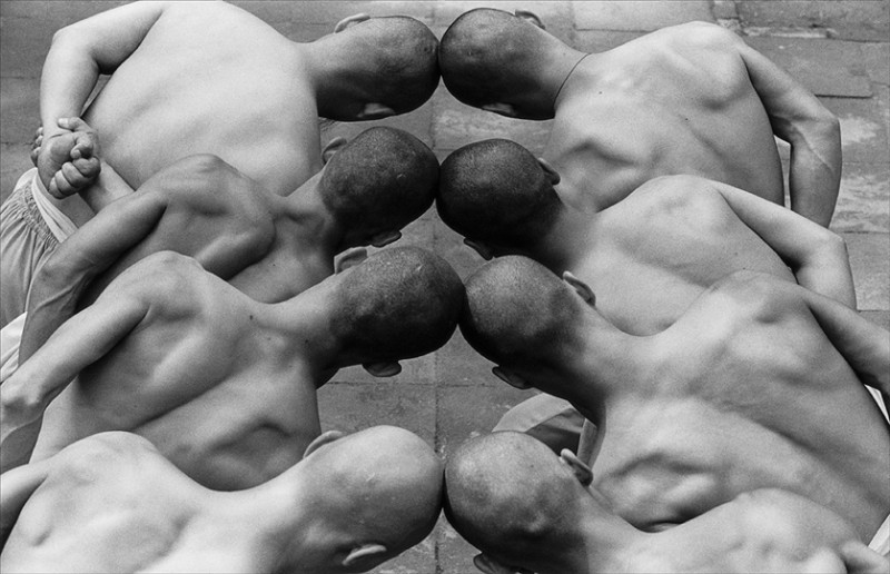 Incredible Photos Of Shaolin Monks By Tomasz Gudzowaty Shockblast 10 800x516