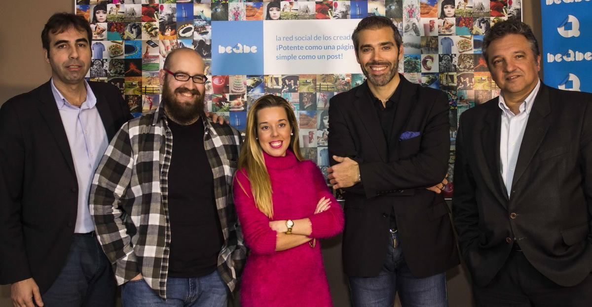 Equipo de beQbe, la red social de los creadores.
