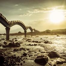 Le pont dragon de Sanxiantai à Taiwan