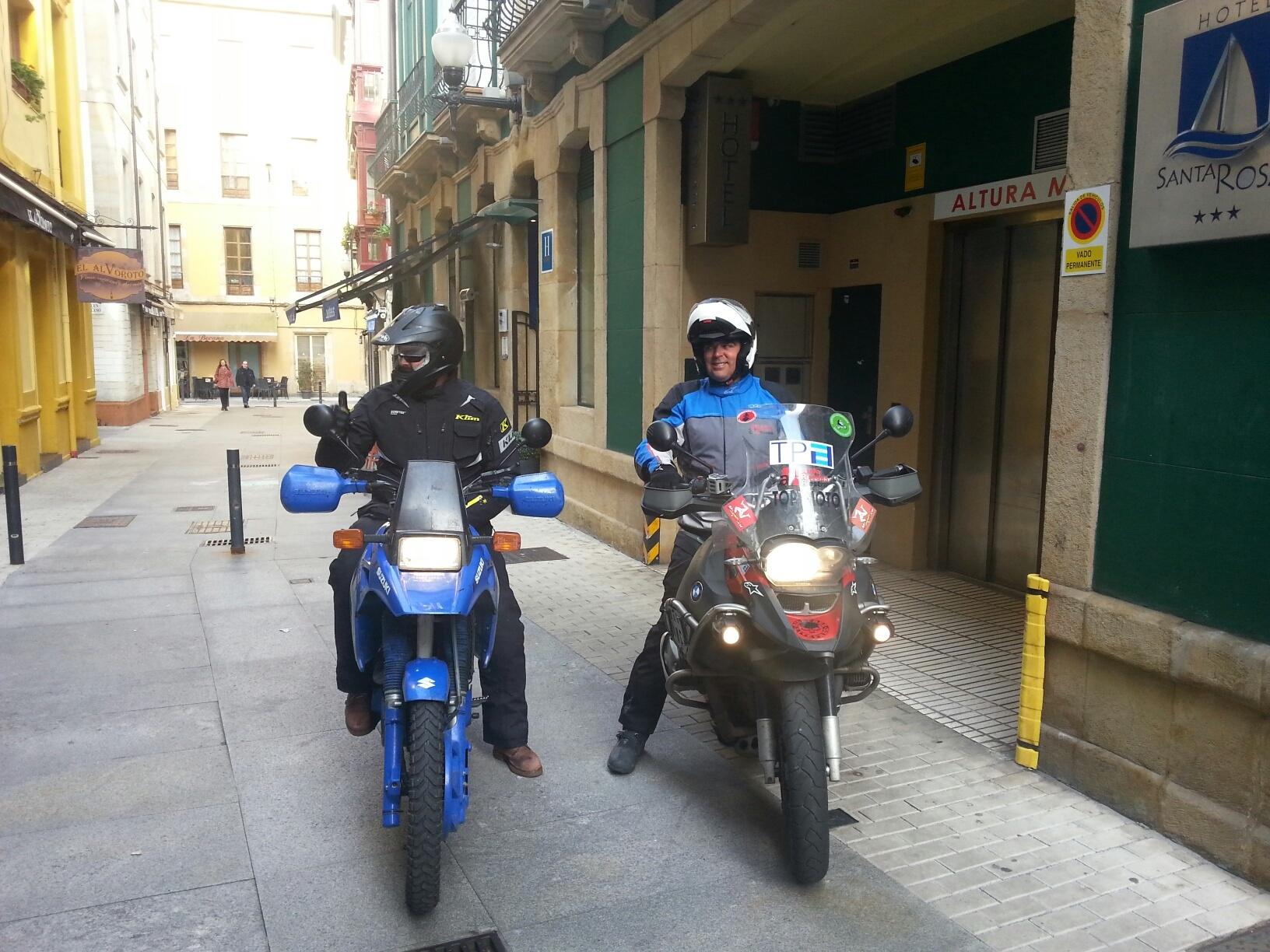 Teo Romera Mrhicks Blue Hotel Gijon Ruta Caballosdemetal Salida